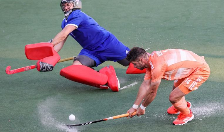 In the European Championships, hockey players prefer shape over opponent