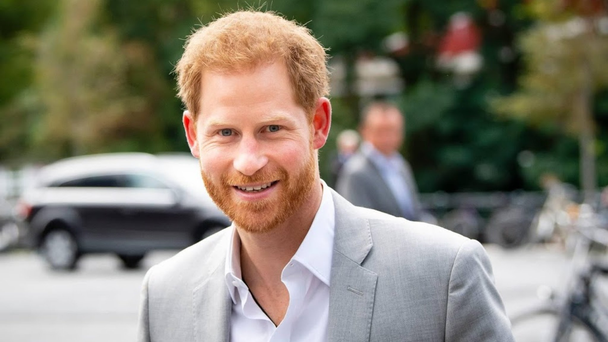 Prince Harry soon returned to the UK without Meghan, sleeping with his favorite niece