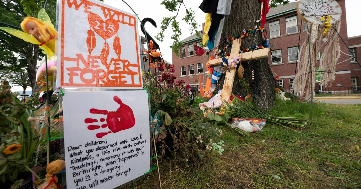 Two churches burned in Canada;  Possible link to the discovery of 215 bodies in Kamloops |  abroad