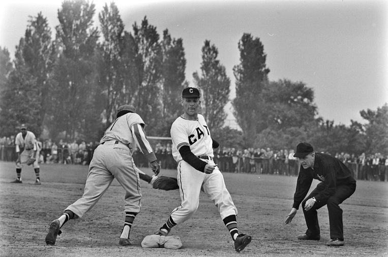 Hon Urban (1927-2021): Baseball pioneer