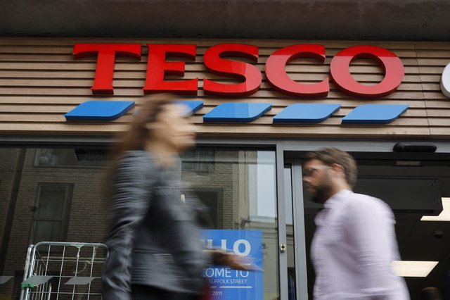 British supermarket chain Tesco attracts truck drivers with a bonus – financial and economic news – trends