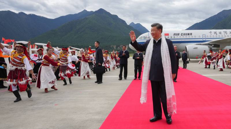 Chinese President's Extraordinary Visit to Tibet