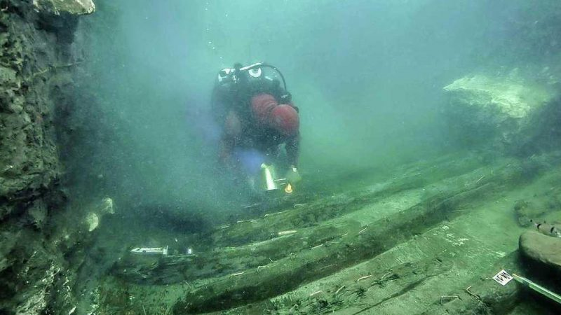 Divers find Greek tombs in a sunken Egyptian city |  abroad