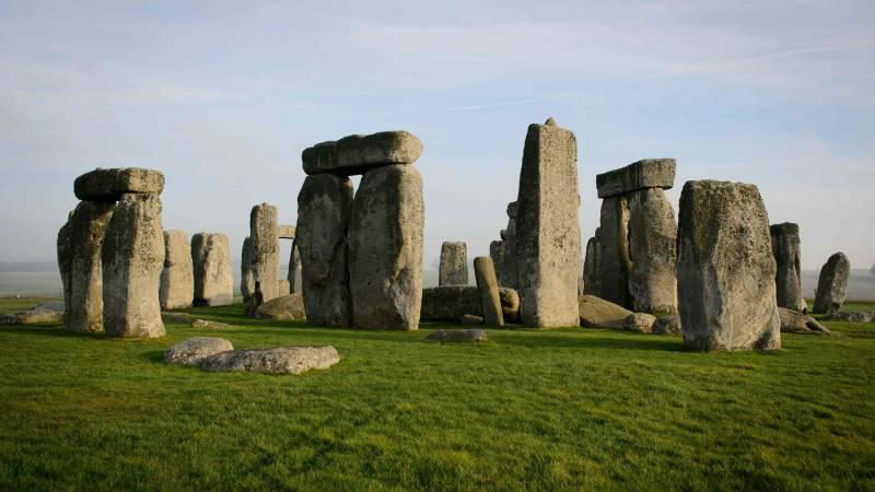 Judge cancels tunnel plan at Stonehenge