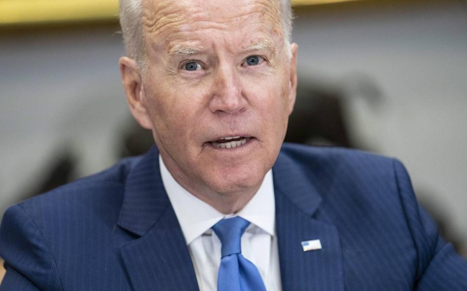 Newspaper: Biden warns US companies of the dangers of Hong Kong