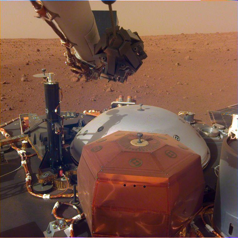 Primeur: InSight's robotic seismologist reveals deep secrets of Mars