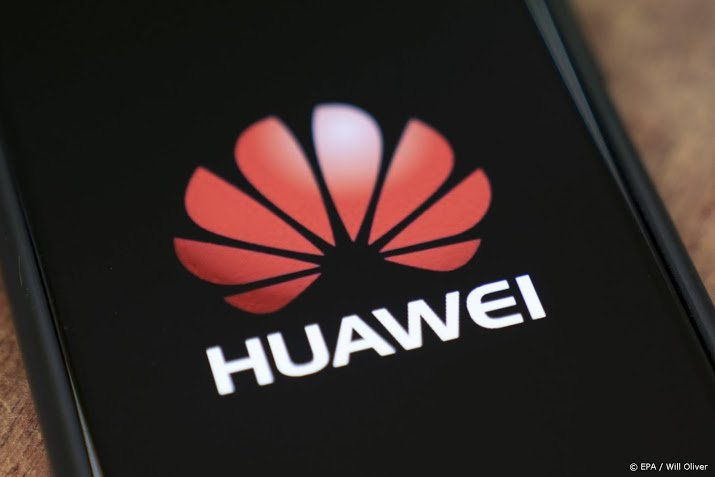 Huawei sees sales falling further due to US sanctions