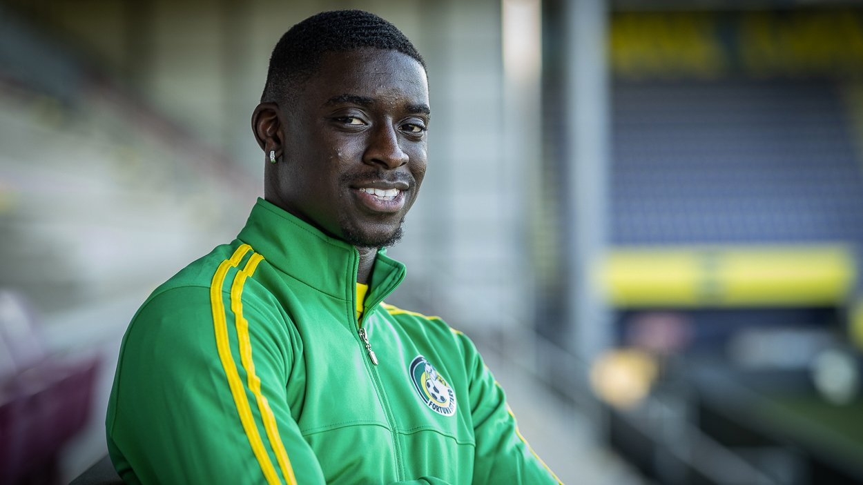 Fortuna striker Basala Sambo against Twente on the side due to Brexit