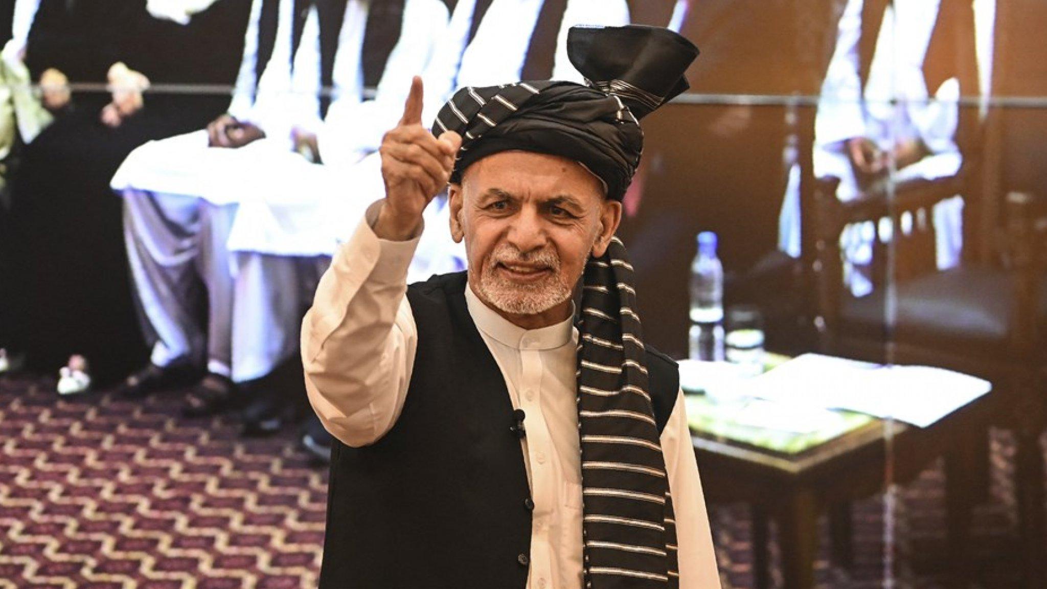 Afghan president flees 'negotiations with Taliban in Qatar'