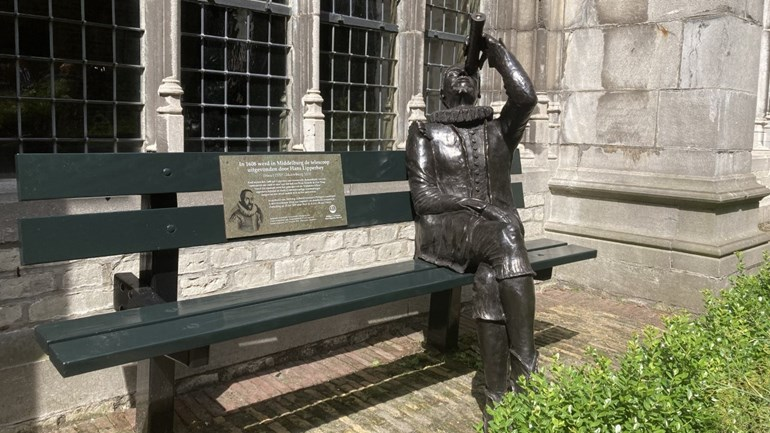 """Lieberhi sitting with his telescope in the monastery garden: """"Don't forget it again!"""""""