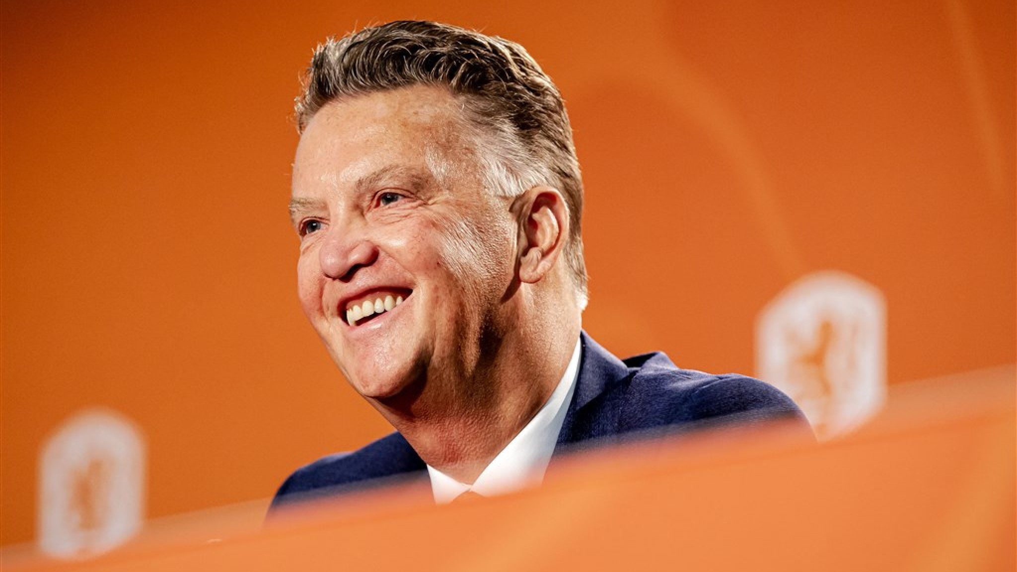 Louis van Gaal wants to give back to Dutch football: 'Don't do it to myself'