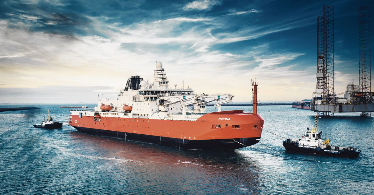 The giant research ship sails to Antarctica