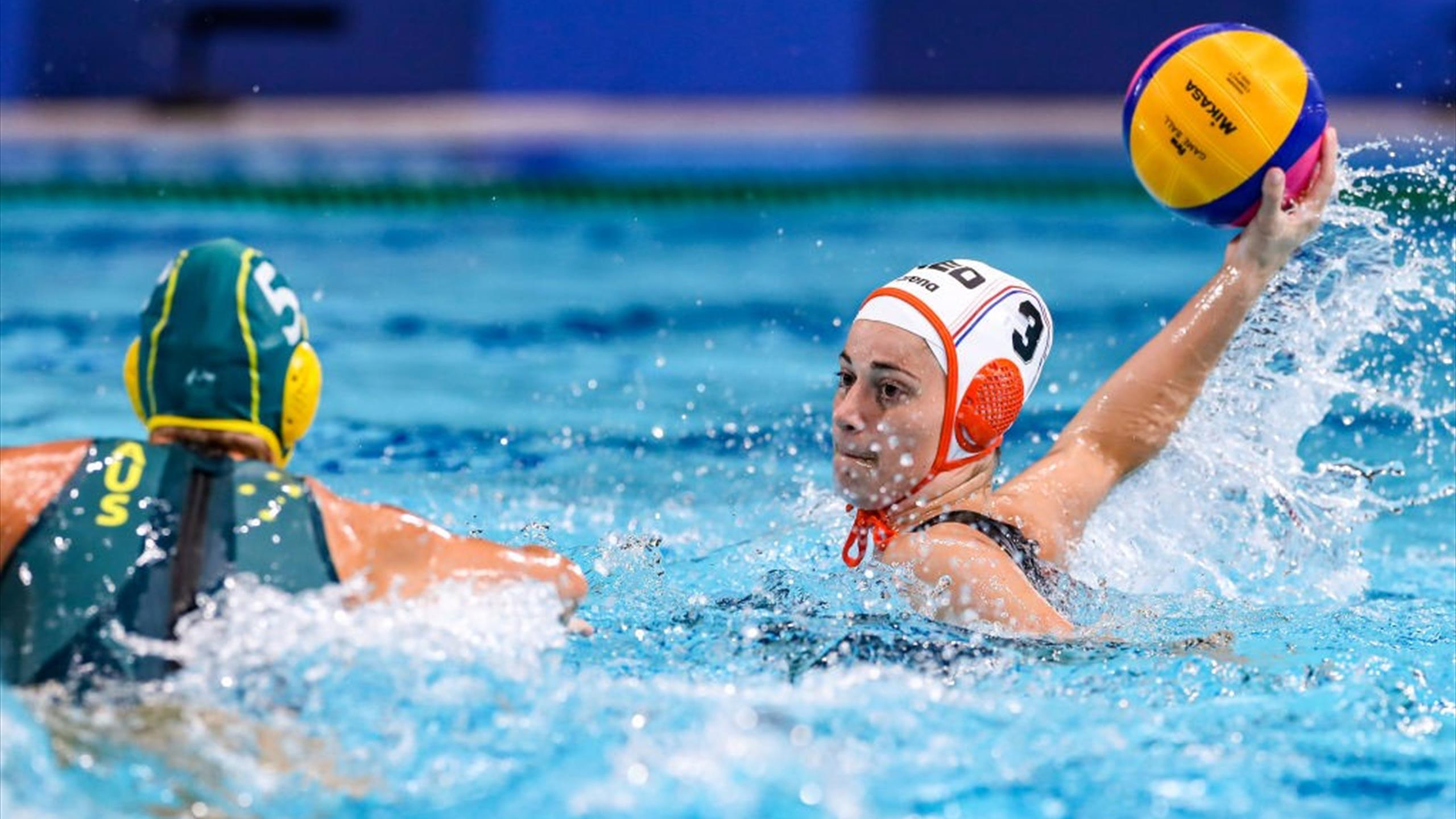 Tokyo 2020 |  Tears flow into the water after a losing duel for fifth place