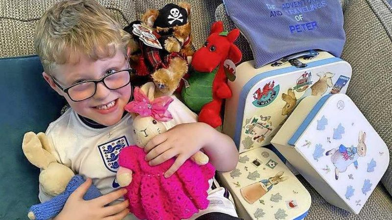 Britain's Ethan (7 years old) overwhelmed with hugs and cards after Grandma's Facebook call    Abroad