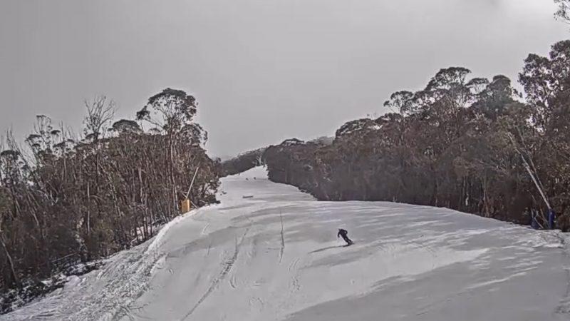 Skiing during an earthquake in Australia