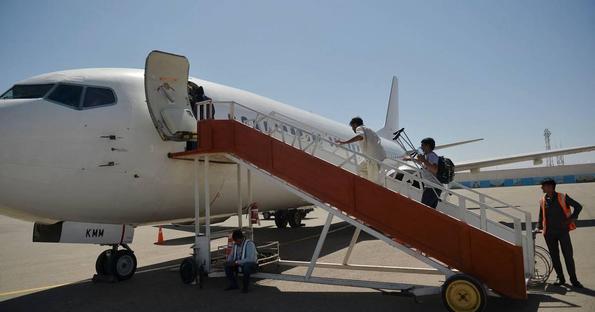 Taliban demands resumption of regular international flights to Afghanistan    Abroad