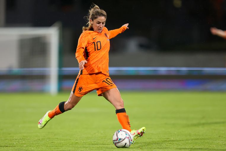 The Orange Women made a comeback after a poor start to the qualifiers with a 2-0 win over Iceland