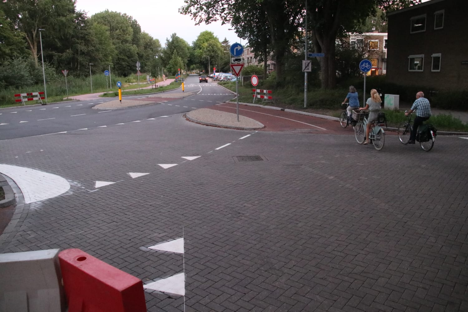 The northern part Helperzoom has become a bike street
