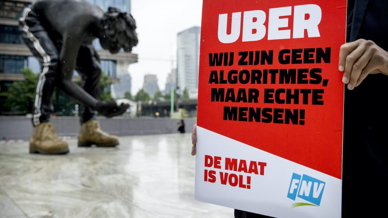 Uber drivers are employed and must be employed under a collective labor agreement