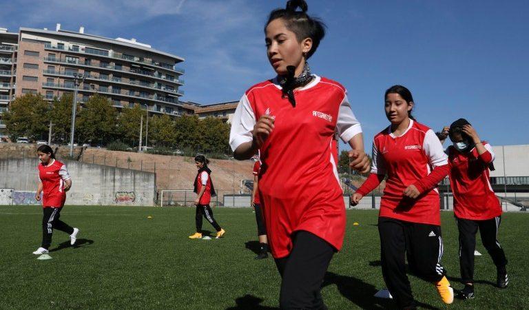 Afghan girls soccer team gets UK visa