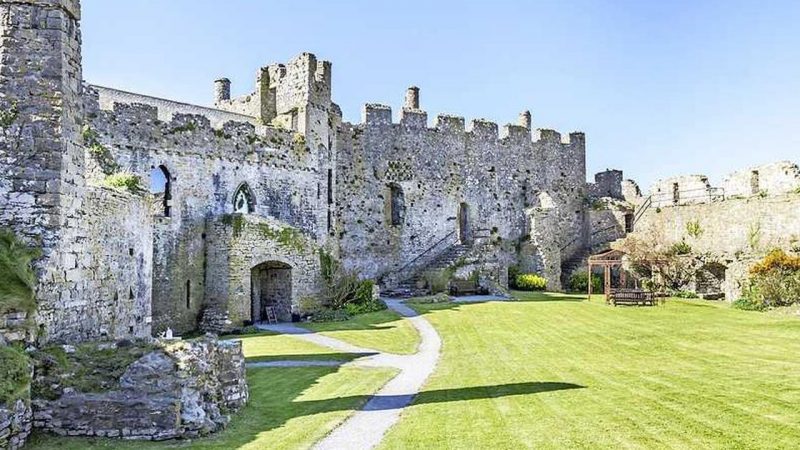 9 Mysterious Medieval Castles Where You Can Spend the Night |  for travel