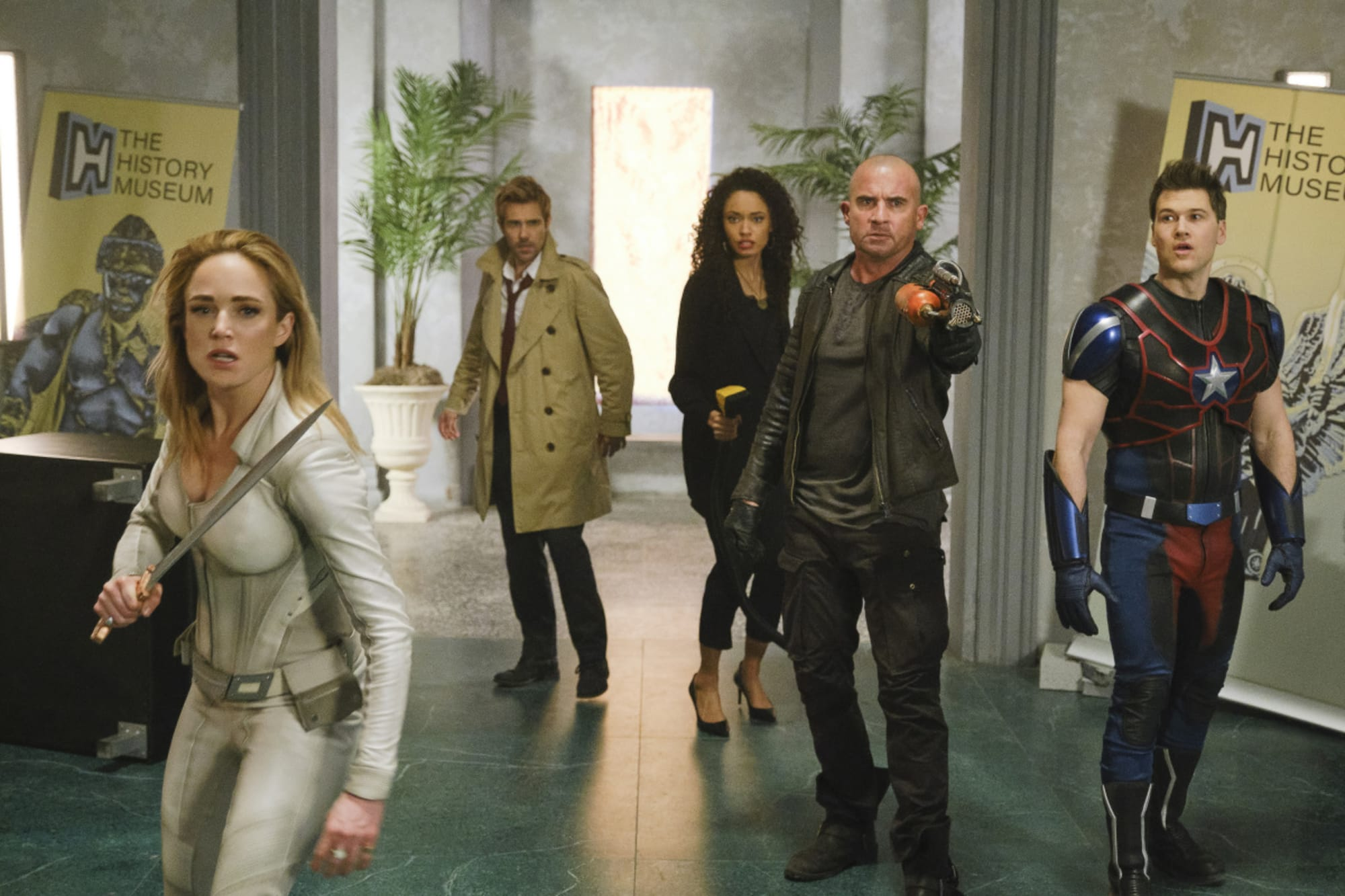 Arrowverse 'Legends of Tomorrow' reveals season 7 trailer
