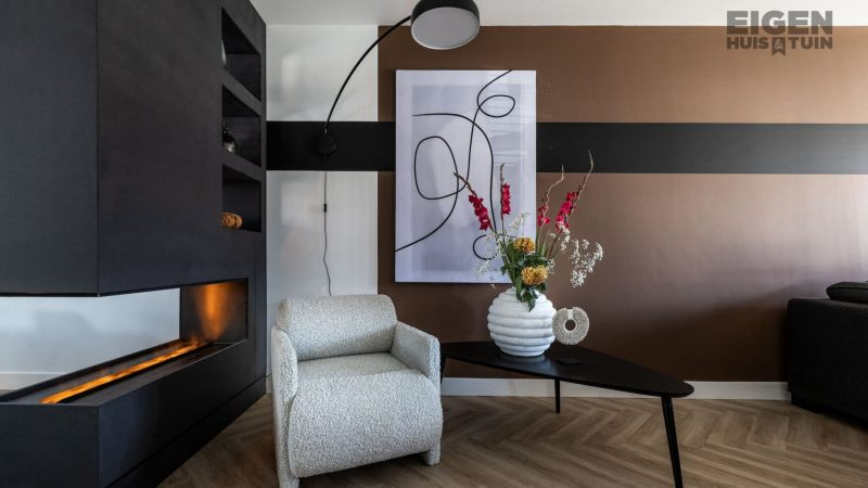 From echo and colorless space to modern living room with atmosphere