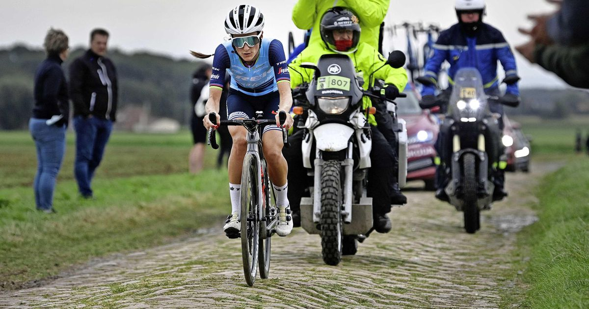 Lizzie Deignan beats Paris-Roubaix first for women and Marianne Voss for second  Cycling