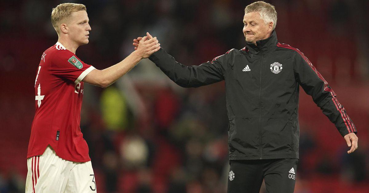Solskjaer warns Donny van de Beek: 'No one was more than me'    football